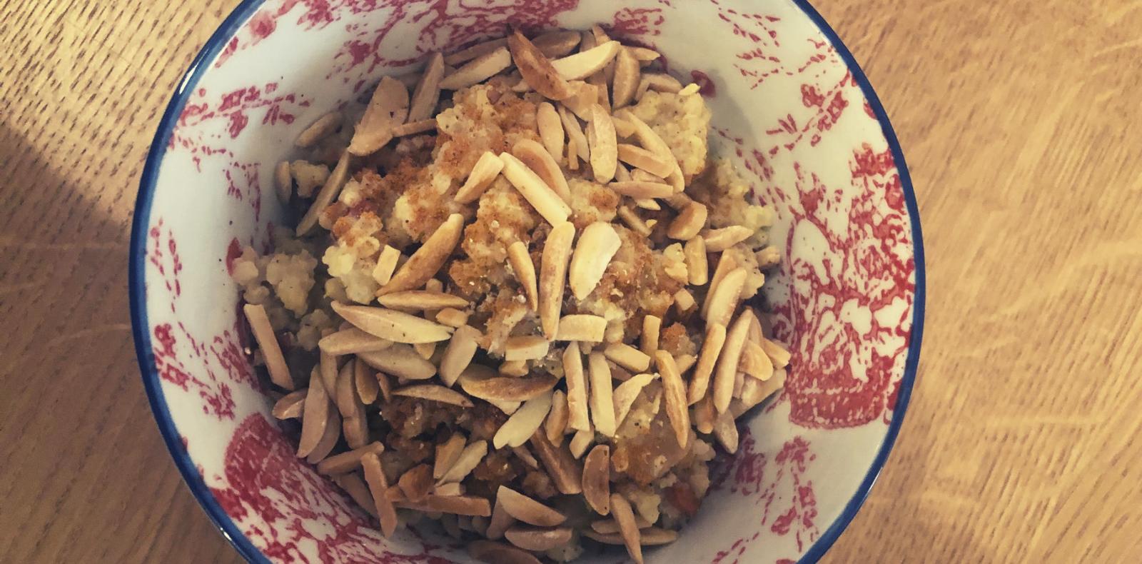 Rezept: Warmes Hirsefrühstück mit zartem Marzipangeschmack